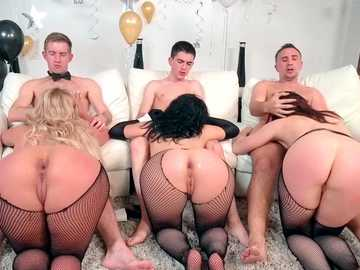 Chanel Preston and her friends celebrate New Year with anal fucking